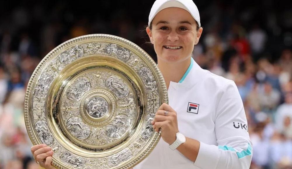 Leader-ul mondial WTA Ashleigh Barty câștigă Wimbledon 2021