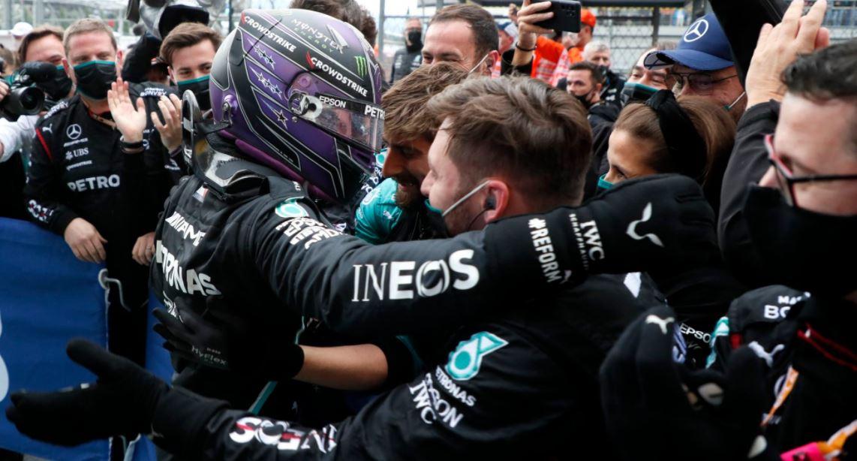 Hamilton atinge borna de 100 de victorii în Formula 1