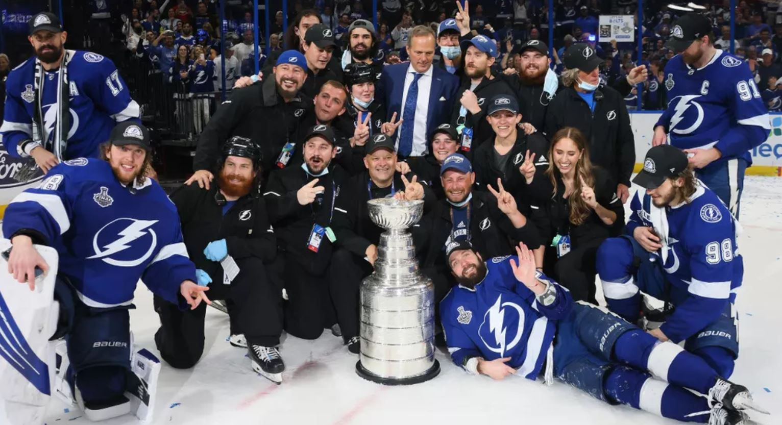 Tampa Bay Lightning câștigă NHL Stanley Cup pentru a doua oară consecutiv